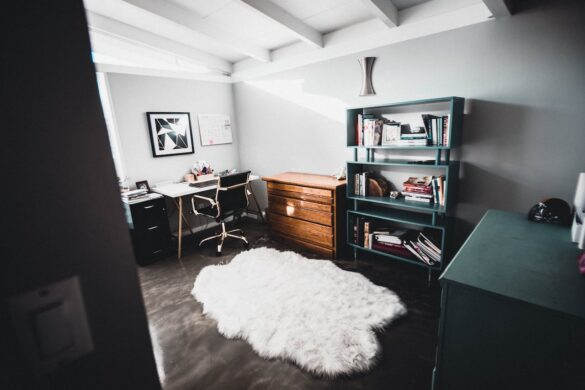 3 Commercial Property Decor Tips You Can Use in a Home Office